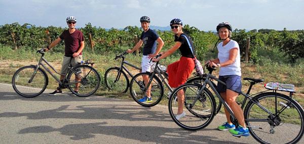 TAST-&-GO-3-bike-tours-barcelons-penedès